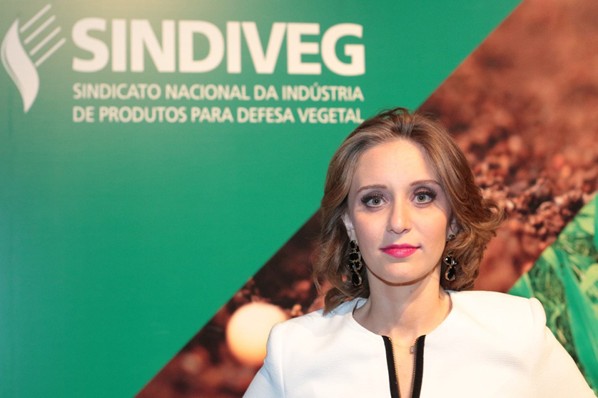Sílvia Fagnani na Fito entrevista, Diretora Executiva do Sindiveg.
